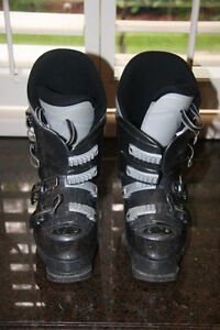 Youth 3 clip ski boots - size 24.5