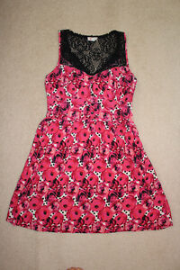 Pretty pink and black dress, size small London Ontario image 2