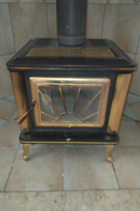 Wood Fireplace - Pacific Energy Spectrum Classic, Black & Gold