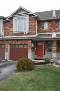 Grimsby 3 Bedroom Townhouse for Lease/Rent  74 Magnolia Cres.