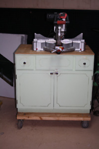 Mitre saw stand / rolling workbench with craftsman mitresaw