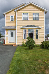 Beautiful Two-Storey Home in Kenmount Park