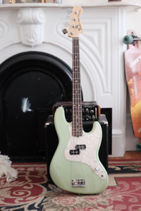 Fender Precision Bass Mark Hoppus Signature
