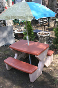 Step2: Naturally Playful Picnic Table with Umbrella