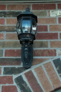 Outdoor Wall Mounted Light