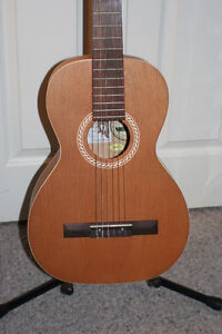 Ami Folk / Nylon Parlour Guitar Package, w/ Case & Book Kitchener / Waterloo Kitchener Area image 2