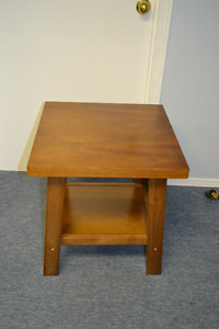 SOLID WOOD SMALL END TABLE