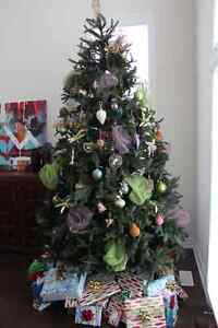 9 ft 'Balsam Hill' Artificial Christmas Tree Oakville / Halton Region Toronto (GTA) image 1