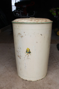 Covered Tin Bin - Great For Wood Stove Ashes