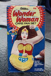 BOXED WONDER WOMAN CAKE PAN SET 70'S VINTAGE
