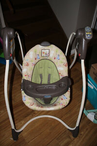 Graco Baby Swing - Winnie The Pooh - Excellent Condition