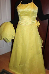Robe jaune satinée/ Yellow satin dress