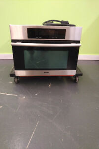 2013 Four combines micro-ondes 24' Miele MasterChef / Vaut 4600$