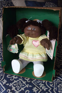 1984 Cabbage Patch Kid Girl Doll Vintage NIB French Canadian