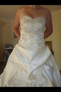 Size 10 wedding dress Christie Downs Morphett Vale Area Preview