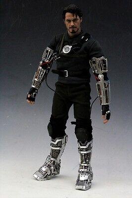 - Hot Toys MMS116 Iron Man: Tony Stark (Mech Test Version)
