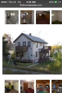4 bedroom House for sale with 2 bed apartment above.