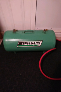 Speedaire Portable Compressed Air Tank and Filter