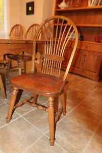Harvest dining room table with 6 chairs Gatineau Ottawa / Gatineau Area image 3