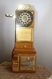 OLD FASHIONED LOOKING PHONE