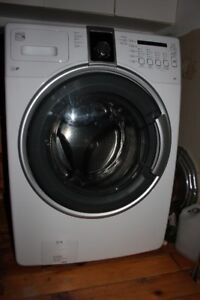 Front load Kenmore Washer 3 yrs old good working condition