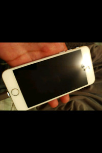 iPhone 6 16 GB- White- Good Condition