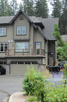 Townhome at Okanagan Golf Course - Bright End Unit!