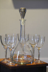 Vintage Wine decanter and matching glasses
