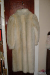 Ladies Fake Fur Coat Cornwall Ontario image 3