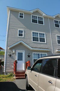 ALL INCLUSIVE 2 bedrooms in 4 bedroom house near MUN/CNA/MI/Mall