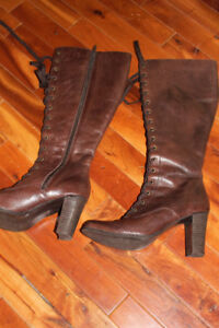brown lace up boots like new