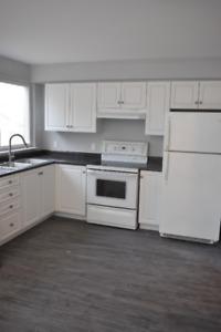 ⭐BRAND NEW 2 BDRM APT⭐ Main Flr Kitchen/Fam Room! Bowmanville!!!