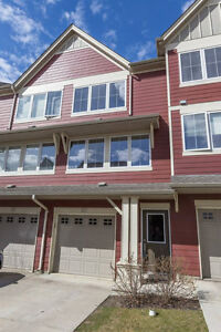 Beautiful Townhouse at Ellerslie !