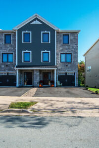 Beautiful Semi-detached house in Larry Uteck