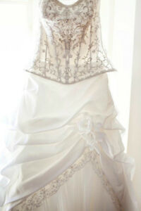 Size 10 Wedding dress Oakville / Halton Region Toronto (GTA) image 1
