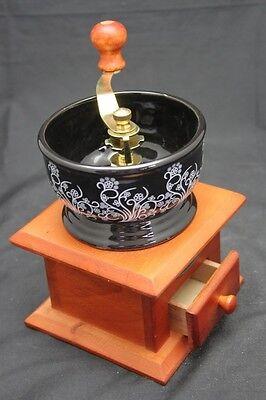 Vintage Style Brown Wooden , Flower Decorated Coffee Bean Grinder Hand Maker