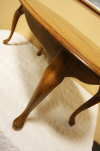 Solid Oak Colonial Cofee Table  SEE VIDEO