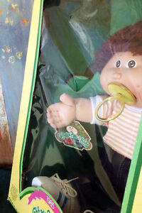 Vintage 1985 Coleco Cabbage Patch Kids Doll 'Jay Neil' NIB Rare Cambridge Kitchener Area image 3