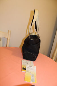Medela Double Electric breast pump in Carrying purse Kitchener / Waterloo Kitchener Area image 9