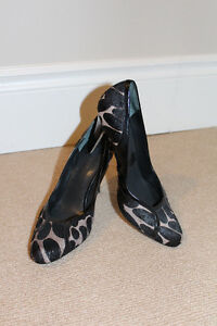 Nine West Pumps - Pony (black and tan) Size 8.5 - barely worn!