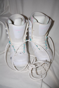 Ladies Size 7 Snowboard Boots