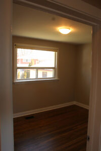Upper Level Apt in North East Barrie