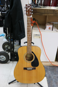 **GREAT DEAL** Yamaha F-310 Acoustic Guitar - 16100