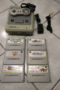 NIntendo Super Famicon with 6 games and 1 controller