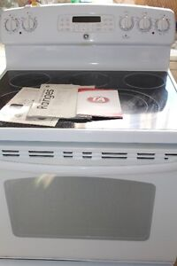 GE RANGE must go, in excellent condition upgraded to stainless