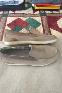 Slip on low profile shoes
