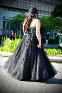 Gorgeous formal grad gown