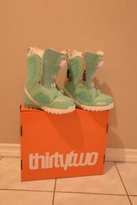 Snowboard boots, worn twice, size 7, brand Thirty Two