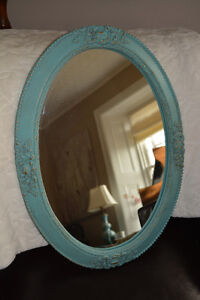 Painted Oval Antique Mirror Kingston Kingston Area image 3