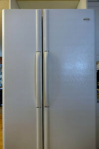 Frigidaire side by side white fridge